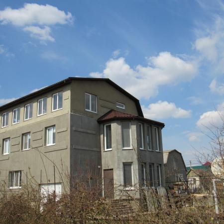 Вид всего здания.