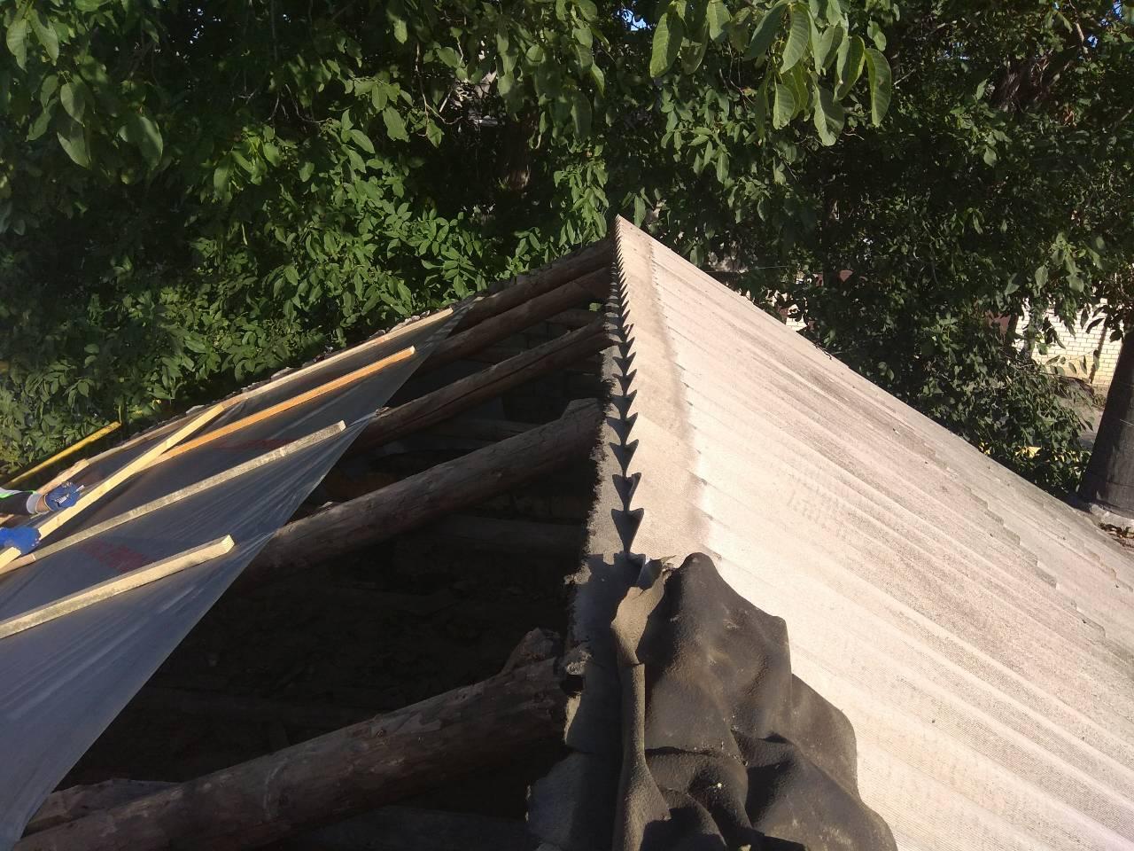 Крыша со старым шифером
