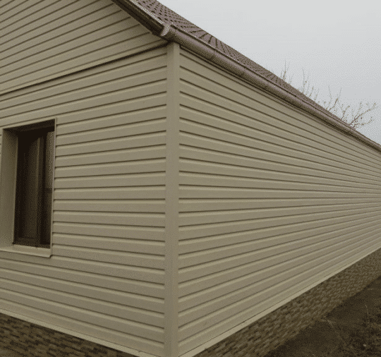 Обшивка дома сайдингом